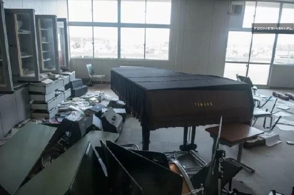 Piano-Abandonado