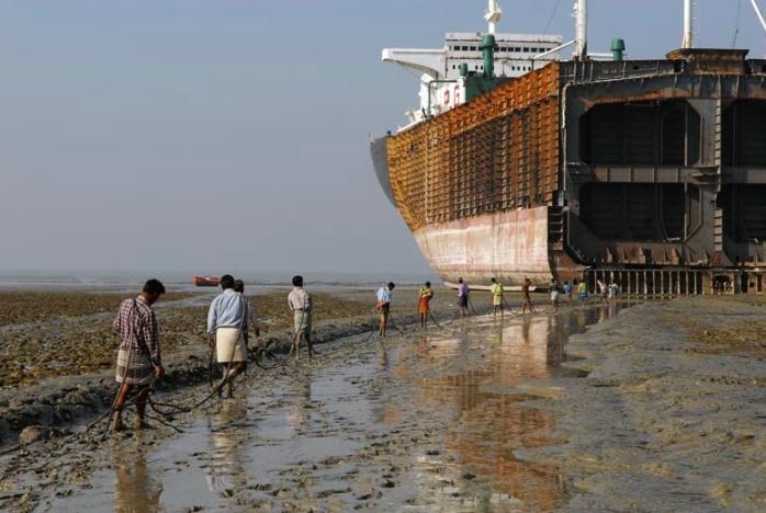 """""""El Infierno En La Tierra"""" (Puerto De Chittagong)"""